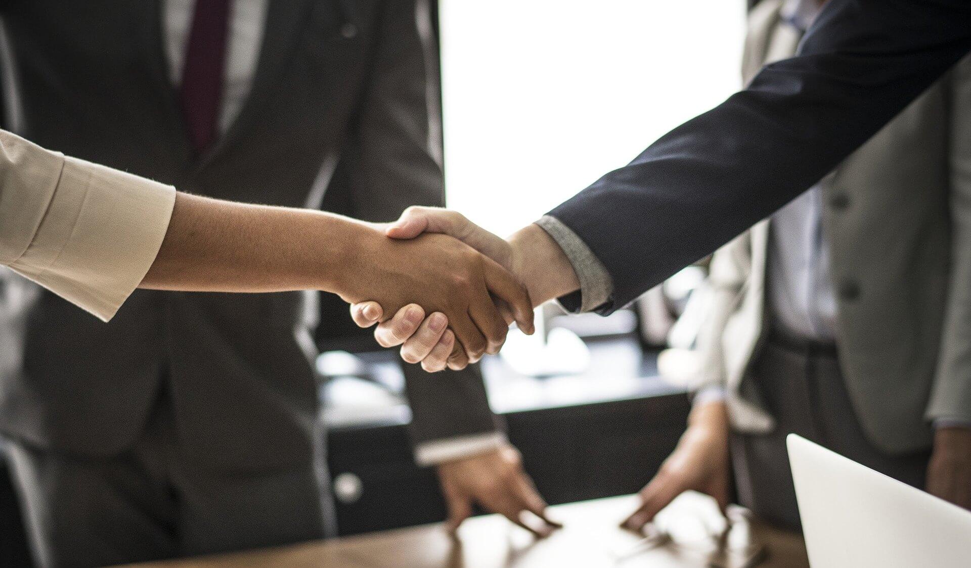 Conclure une entente avec une agence de recrutement international